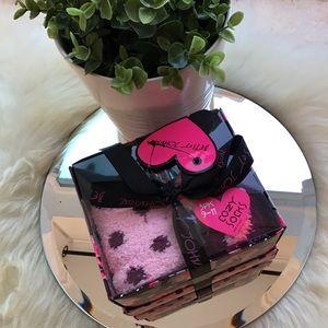 Betsey Johnson 3 piece socks gift set- NWT